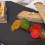 Pressé de volaille au foie gras. Chutney de figues au vinaigre de raisin